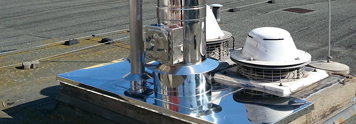 Doppelwandiger Aussenschornstein - Anschluss eines doppelwandigen Aussenschornstein für Gebläseheizungen aus einer Konstruktion aus Edelstahl.